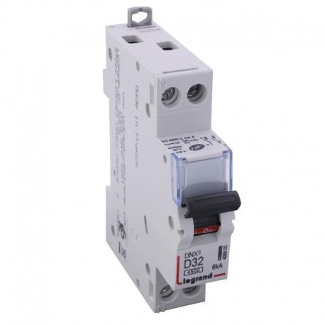 Legrand - Disjoncteur DNX³ 4500 - vis/vis - U+N 230V~ 32 A - 4,5 kA - courbe D - 1 mod - Réf : 406805