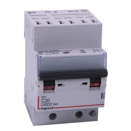 Legrand - Disjoncteur DX³ 4500 - auto/vis - 3P - 400 V~ - 20A - 6kA - courbe C - 1 module - Réf : 406902