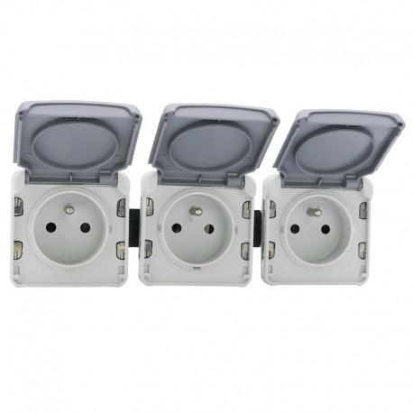 Legrand - Triple prise de courant 2P+T précâblées à l'horizontale Plexo composable IP55 16A 250V - gris - Réf : 069564